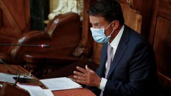 Manuel Valls, durant una de les seves intervencions ahir en el ple de Barcelona