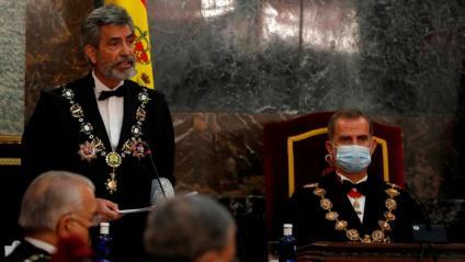 El president del CGPJ en funcions, Carlos Lesmes, i el rei Felip VI durant l'obertura de l'any judicial el passat 7 de setembre