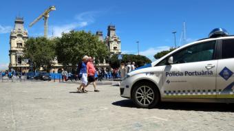 Un vehicle de la Policia Portuària de Barcelona al Port Vell