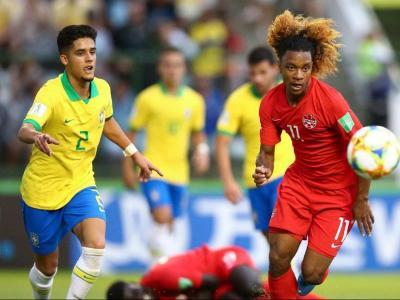 A l'esquerra, Yan Couto, en una acció amb la selecció sub-17 del Brasil, i a la dreta Gallar, en el duel de pretemporada contra el Barça