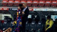 Ronald Koeman, felicitant Ansu Fati pels seus dos gols