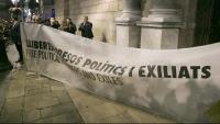 La pancarta dels presos, davant de Palau, el dia que la JEC –3 de gener del 2020– va ordenar la inhabilitació