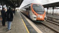 Un comboi de la R-1 arribant a l'estació de Vilassar de Mar-Cabrera