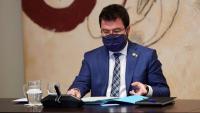 El vicepresident del Govern, Pere Aragonès, ha convocat per a demà dimecres un consell executiu extraordinari per aprovar el decret de substitució del president Torra un cop ha estat inhabilitat