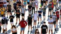 Alumnes de 3r d'ESO de l'Institut Antoni de Martñi i Franquès de Tarragona, el primer dia de curs