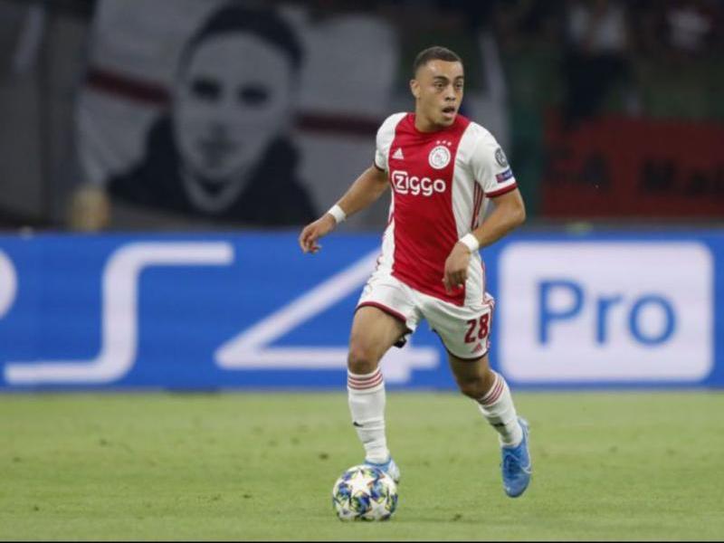 Sergiño Dest, lateral dret de l'Ajax, serà blaugrana en les properes hores