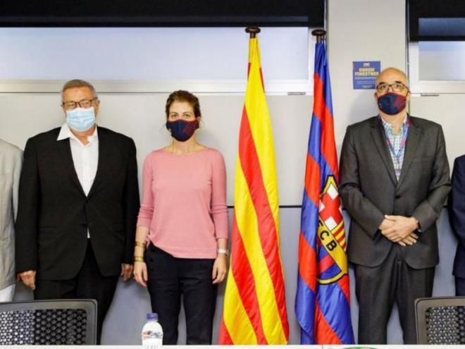 La mesa del vot. Jordi Argemí, Josep Maria Vallbona, Marta Plana, Josep Triadó i Jordi Farré