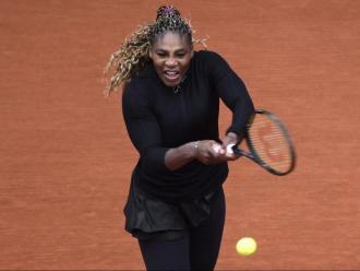 Serena Williams durant el partit de la primera eliminatòria a Paris