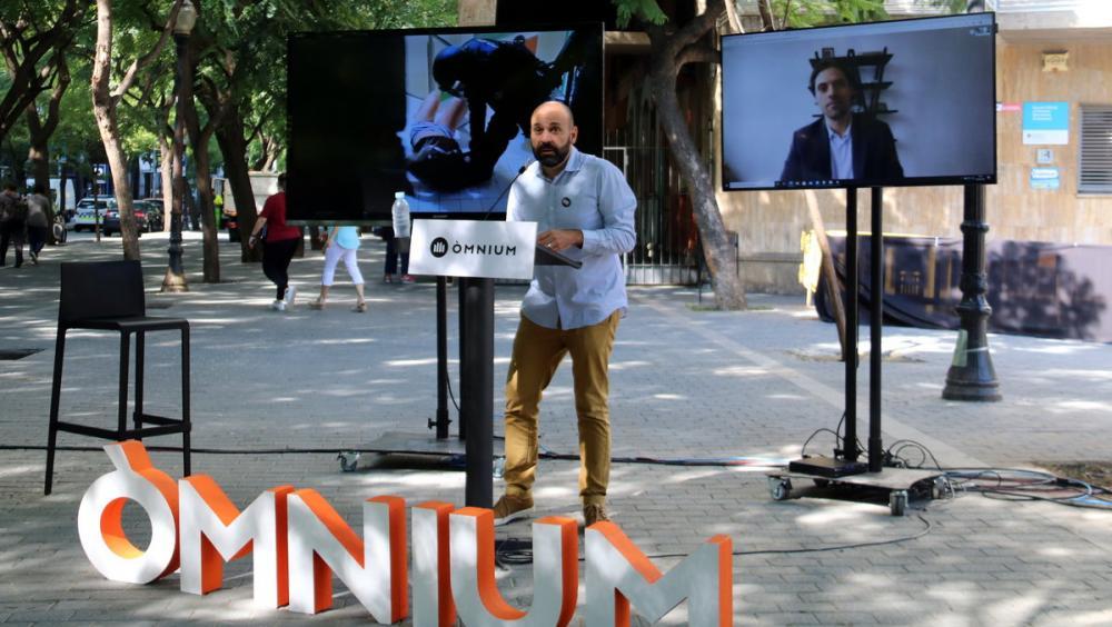 Mauri i Peter, per videoconferència, presentaven ahir la petició a Europa i a l'ONU