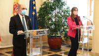El president d'Aragó, Javier Lambán, i la consellera de Salut, Sira Repollés
