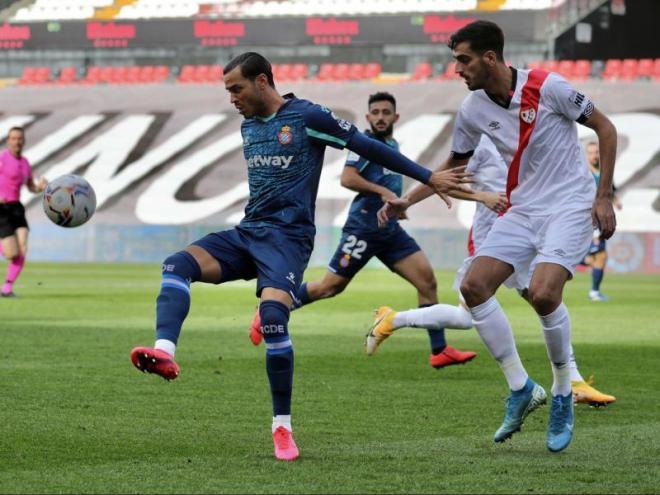 RDT controla una pilota en el partit d'ahir a Vallecas