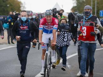 Van der Poel emula  el seu pare a Flandes