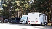 Autocaravanes estacionades al Parc Natural de l'Alt Pirineu