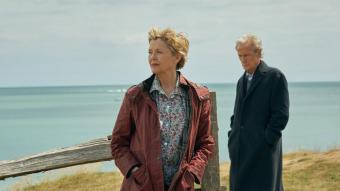 Grace i Edward (Annette Bening i Bill Nighy) viuen una separació traumàtica