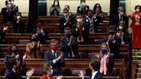 Casado és ovacionat pels diputats del PP després del no a la moció de Vox i d'atacar Abascal amb més duresa que mai
