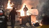 Els manifestants van apedregar la policia i van tallar carrers , a Nàpols. Els comerciants van protestar a Roma