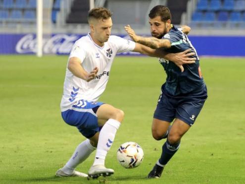 Fran Mèrida en una acció del partit d'ahir jugat a Tenerife