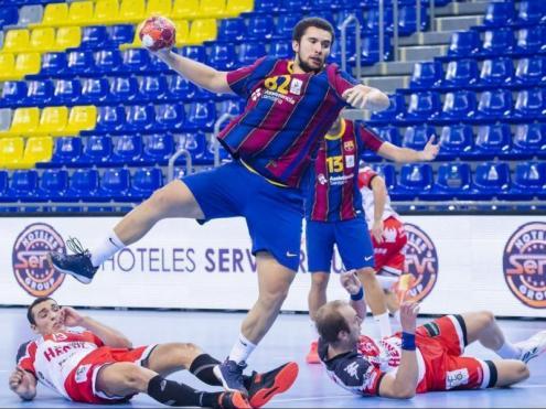 El Barça comença a posar-se al dia després de l'aturada obligada per tres casos de Covid-19