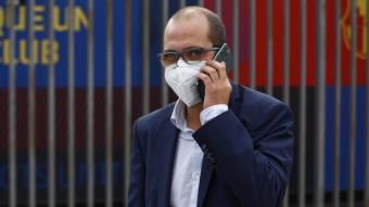 Jordi Farré, davant de les oficines del FC Barcelona