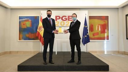 Pedro Sánchez i Pablo Iglesias presenten l'esborrant dels pressupostos