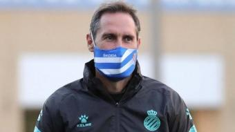 Vicente Moreno en un moment de la sessió d'aquest matí a la ciutat Esportiva Dani Jarque.