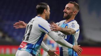 Darder s'abraça a RDT després de l'assistència deliciosa de gol del d'Artà