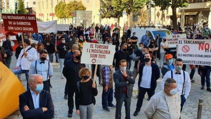 Protesta del sector de l'Hostaleria i l'Estètica a Girona