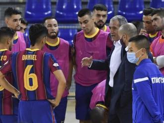 Andreu Plaza durant un temps mort del Barça