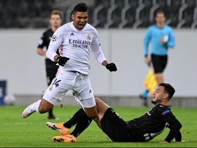 Casemiro, autor del gol de l'empat, en un duel amb Bensebaini