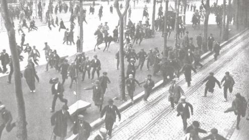La Guàrdia Civil carrega contra els assistents a l'enterrament de Francesc Layret