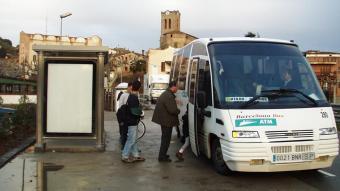 Un microbús que cobreix la línia interurbana entre Mataró i Dosrius