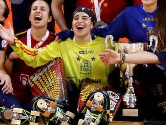 Bernadas, de groc, amb el trofeu de campiona del món als WRG Barcelona 2019