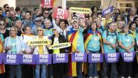 Ciutadans en la manifestació contra la sentència del Suprem, l'octubre del 2019, a Barcelona