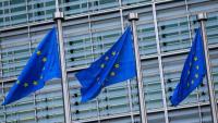 Tres banderes de la Unió Europea a Brussel·les