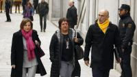 El diputat d'ERC Raül Romeva i les exdiputades d'ERC Dolors Bassa i Carme Forcadell entrant al Tribunal Suprem el 23 de març de 2018