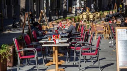 Terrasses de bars i restaurants obertes al migdia