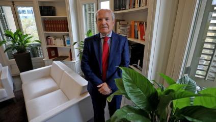 El president José Montilla, dijous, a la seva oficina de la Diagonal