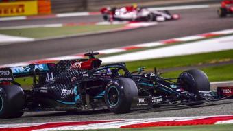Hamilton en la segona sessió d'entrenaments del GP de Bahrain