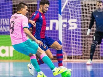 Lozano durant el Barça-Llevant al Martín Carpena