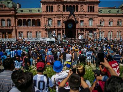 La multitud davant la Casa Rosada