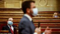 El socialista Miquel Iceta segueix la intervenció del vicepresident, Pere Aragonès