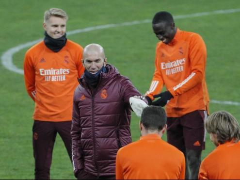 Zidane en l'entrenament d'ahir a l'Olimpiski