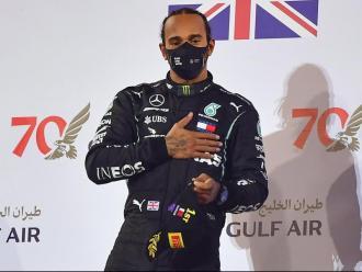 Lewis Hamilton, en el podi del GP de Bahrain