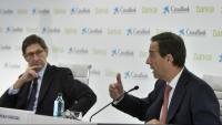 Els alts executius de Bankia i CaixaBank, durant la presentació de la fusió