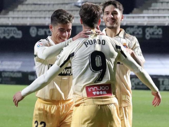 NIco Melamed celebra amb Puado un dels gols aconseguits contra el Cartagena.