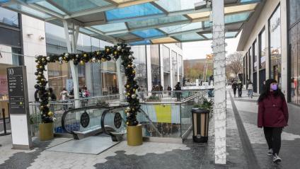 Els centres comercials, a la imatge el de les Glòries, continuaran tancats com a mínim fins al 7 de febrer