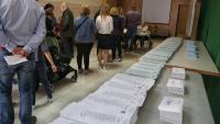 El Govern treballa en una aplicació mòbil que informarà els ciutadans de l'afluència de persones als col·legis electorals