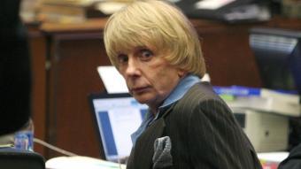 Phil Spector, en una imatge del 2007 quan es va celebrar el judici per l'assassinat de Lara Clarkson
