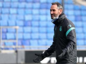 Vicente Moreno haurà de fer un onze amb molts equilibris contra l'Osasuna