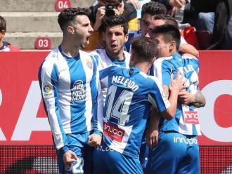 Els jugadors de l'Espanyol celebren un gol a Montilivi en el triomf del 2019